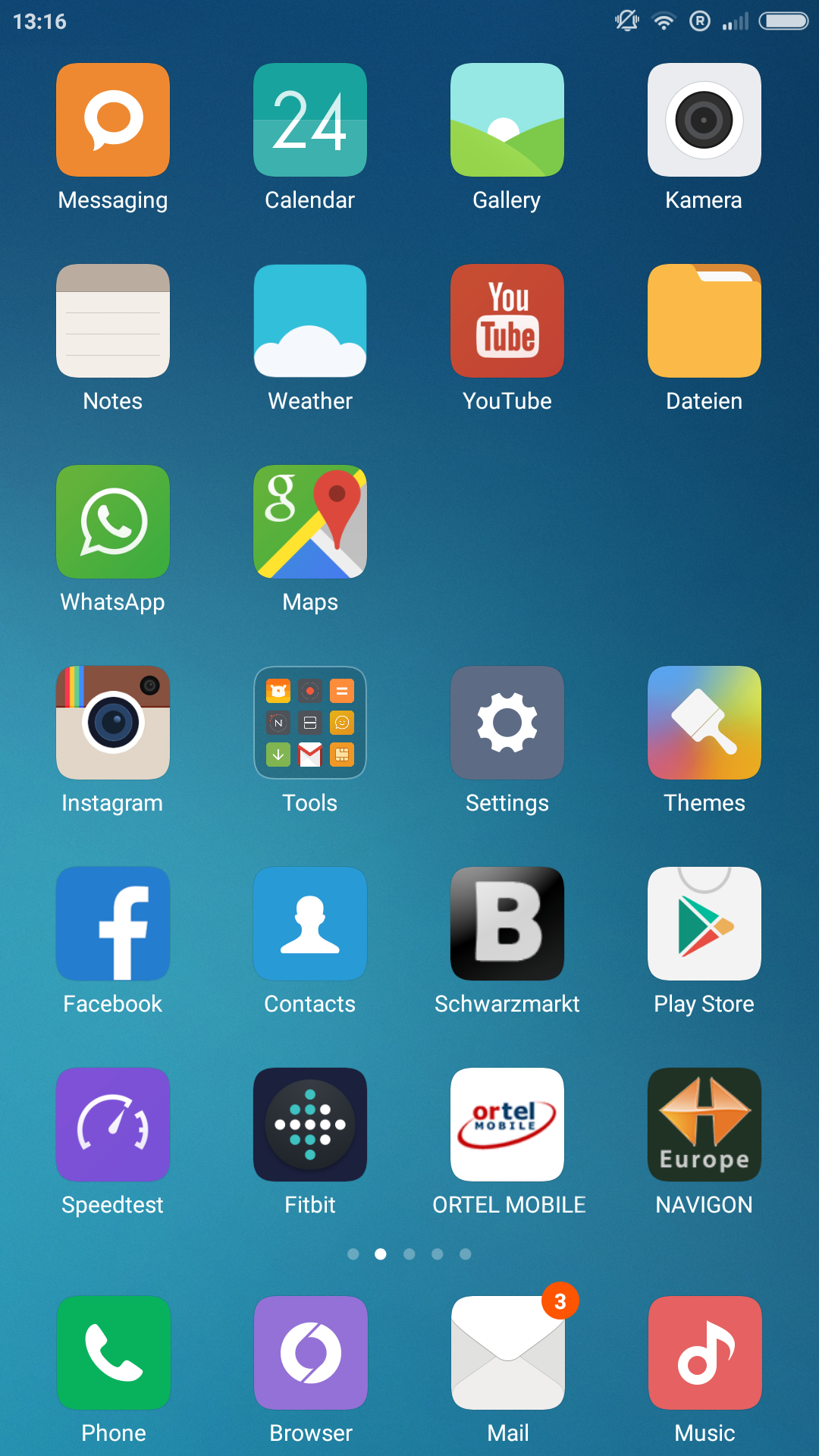 Screenshot_com.miui.home_2015-09-24-13-16-44.png
